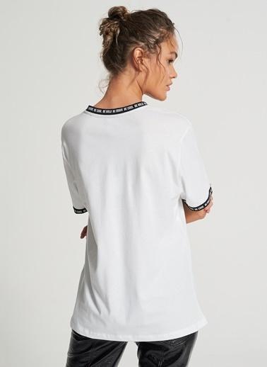 Pi π Renk Bloklu Tişört Beyaz